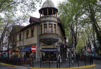 Empleados del sector gastronómico reabren el Café de París de Vicente López