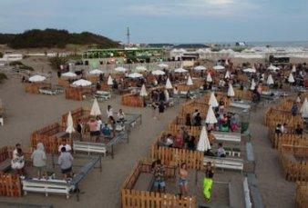 Mar del Plata estrenó burbujas sociales vip en las playas del sur