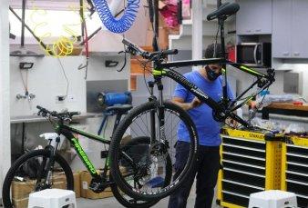 Los seguros para bicicletas, con un pico de demanda por el mayor uso y los robos