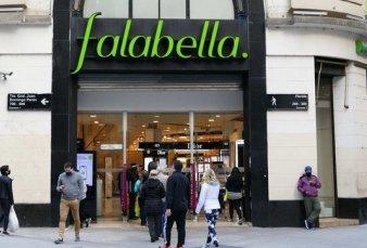 Falabella no encuentra comprador y acelera el cierre de sus locales