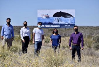 """La defensa del intendente de Puerto Pirámides por la foto con el cartel: """"No fue una inauguración, fue un refreshing"""""""
