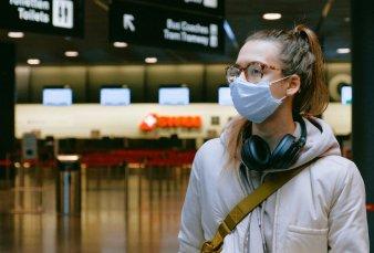 Migraciones lanzó nueva guía por covid: restricciones y menos viajes al exterior