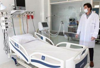 """Hospitales porteños reinstalan camas de terapia ante escenario de """"catástrofe"""""""