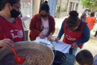 Darán 70.000 vacunas a movimientos sociales que trabajan en comedores