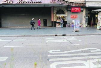 Por cierre de comercios, Corrientes cerca de convertirse en una avenida fantasma