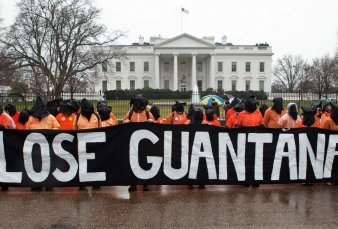 Más de 80 figuras de Latinoamérica piden a Biden el cierre de Guantánamo