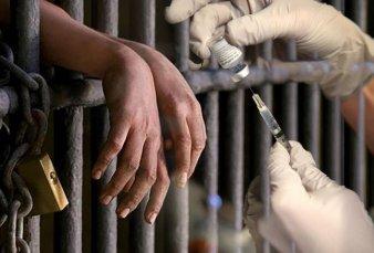 Chubut: polémica porque vacunaron a más de 100 presos sin factores de riesgo