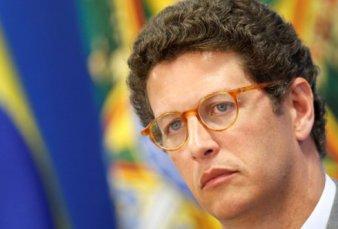 Cae el ministro de Ambiente de Brasil, investigado por el tráfico de madera protegida