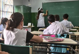 En la Provincia desestiman que las clases presenciales regresen antes de julio