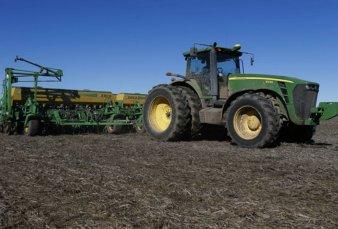 Las fábricas de maquinaria agrícola viven un boom de ventas por el dólar