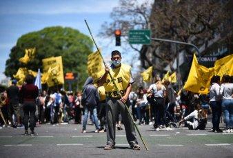 Una marcha de Castells derivó en una nueva jornada de caos en el tránsito porteño