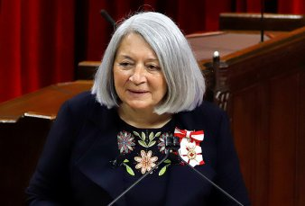 Una indígena hace historia y asume como gobernadora general de Canadá