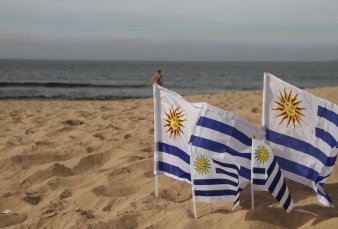 Uruguay estudia no exigir cuarentena obligatoria para turistas en primavera