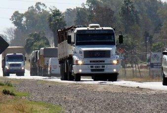 Guiño del Gobierno a Hugo Moyano: creará paradores estatales en las rutas