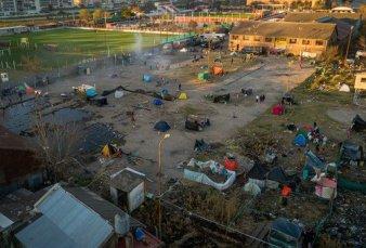 """Ordenan el desalojo """"pacífico"""" de una toma de tierras en Barracas"""