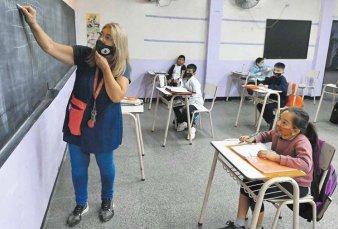 Kicillof anunció clases los sábados para los alumnos con problemas