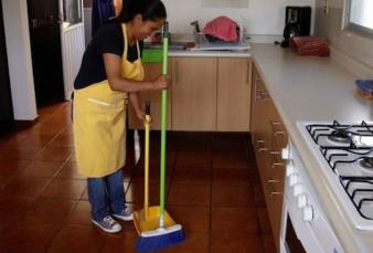 Operación blanqueo: subsidian hasta 50% del sueldo de empleadas domésticas