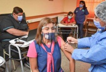 Córdoba: los docentes que no se vacunen deberán presentar un test semanal
