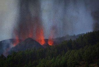 Entró en erupción un volcán en las Islas Canarias y ya hay 5000 evacuados