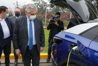 Con aval de la industria, el Ejecutivo pone primera para fabricar vehículos eléctricos