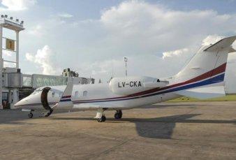 El jefe de Gabinete viajó a EE.UU. en un jet sanitario de Tucumán